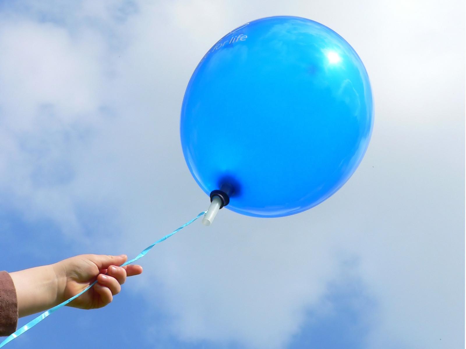blue-balloon-1193182-1600x1200